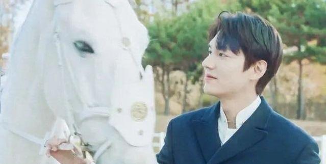 李敏镐主演新剧《国王·永远的君主》在韩国SBS电视台热播