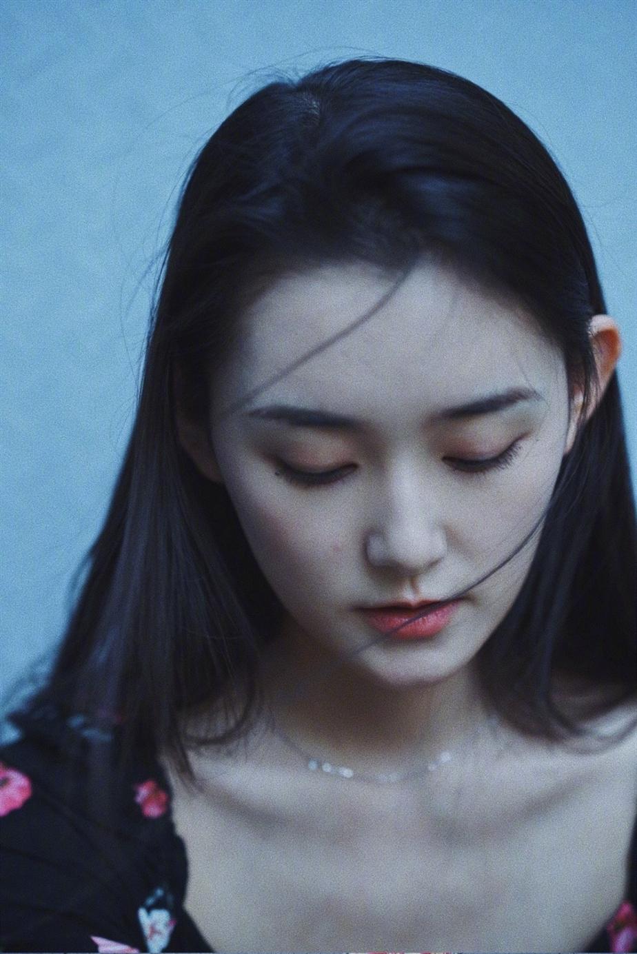 蒋依依 ( Yiyi Jiang)