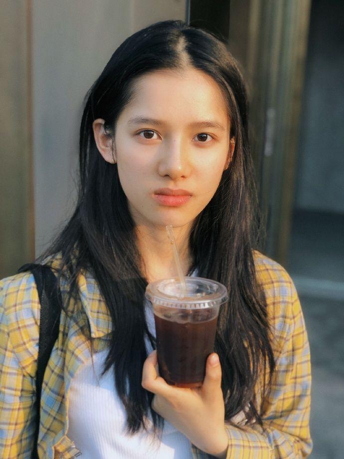 张婧仪 ( Jingyi Zhang)