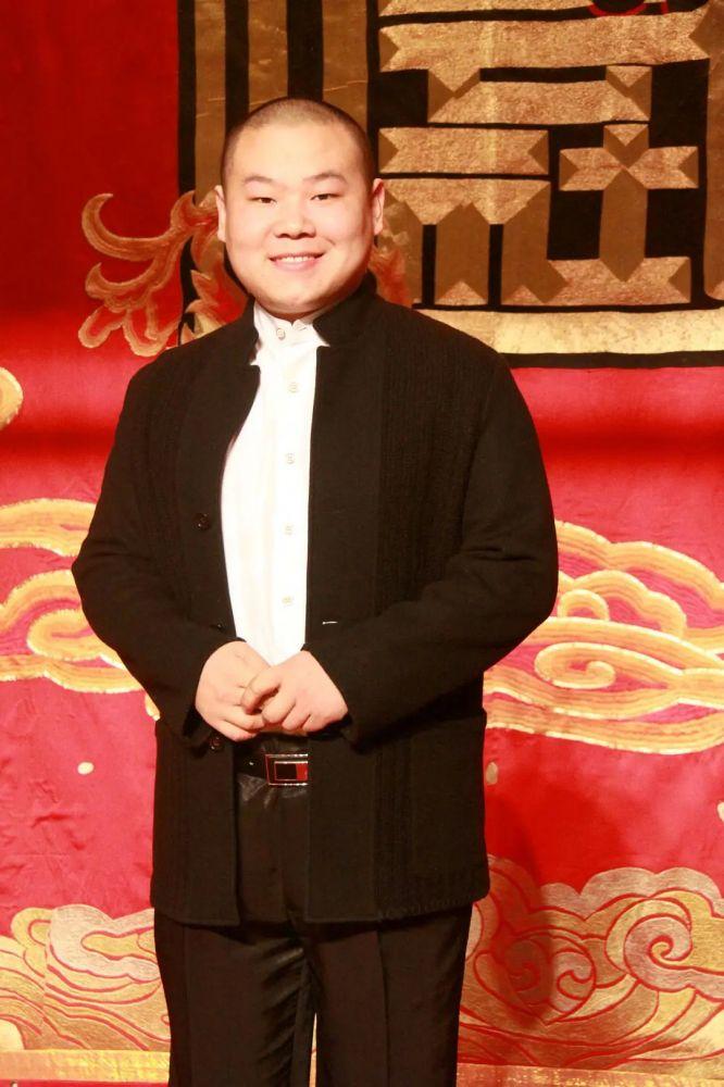 岳云鹏 ( Yunpeng Yue)