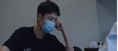 王一博受伤做核共振,医生劝阻不要跳舞仍然坚持