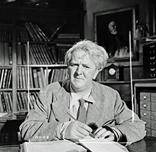 约瑟夫·托姆利 ( Joseph Tomelty)