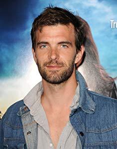 卢卡斯·布莱恩特 ( Lucas Bryant)