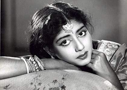 莎比特丽·查特吉 ( Sabitri Chatterjee)
